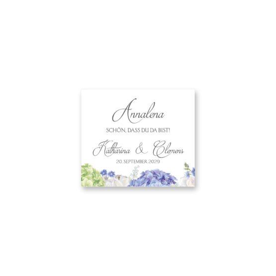 tischkarte hochzeit vintage logo monogramm blumenkranz hortensien kirschblüten blau grün creme hochzeitsgrafik onlineshop papeterie